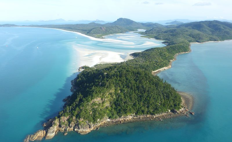 australia queensland whitsundays helicopter flight