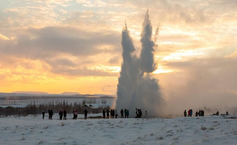 iceland south west golden circle strokkur winter ss