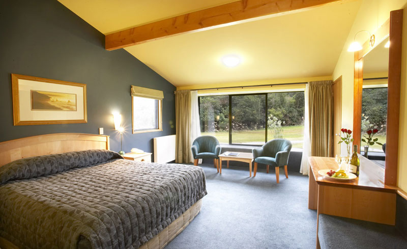 2lake moeraki wilderness lodge