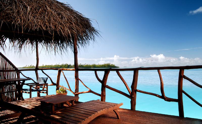 aitutaki lagoon resort and spa overwater bungalows deck