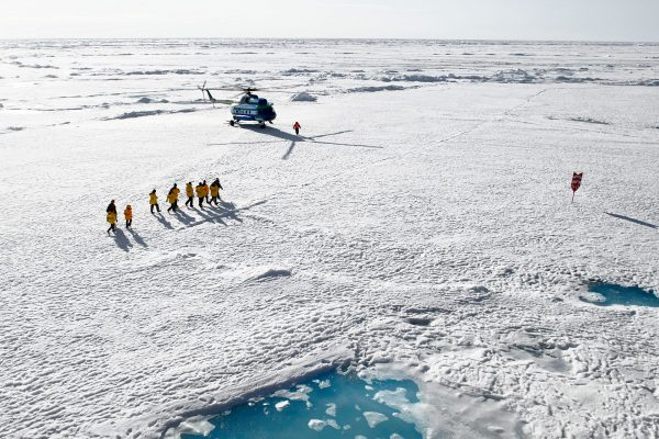 arctic landing at north pole by helicopter