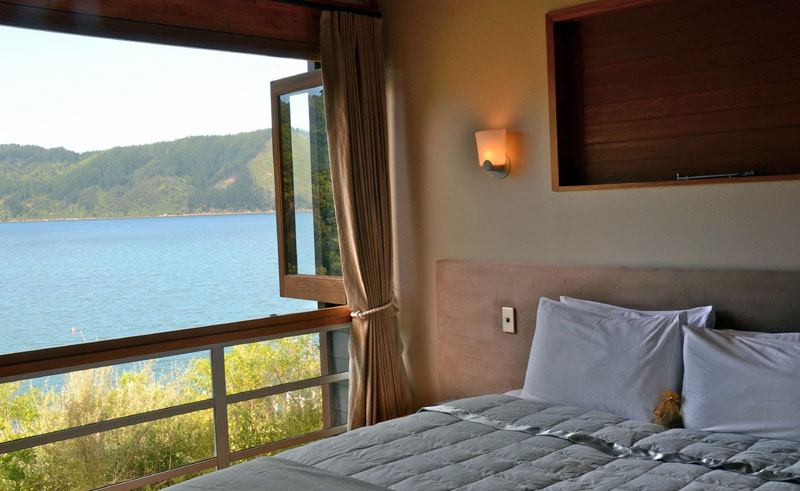 bay of many coves bedroom