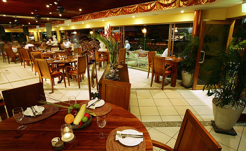 bay village tropical retreat restaurant