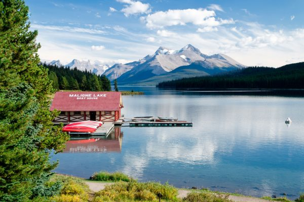 canada alberta maligne lake boathouse adstk