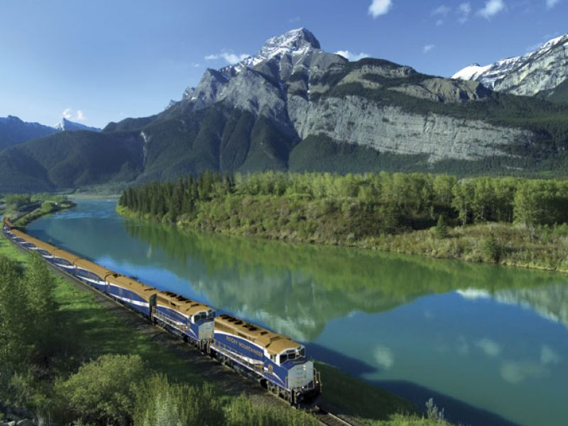 canada rocky mountaineer2