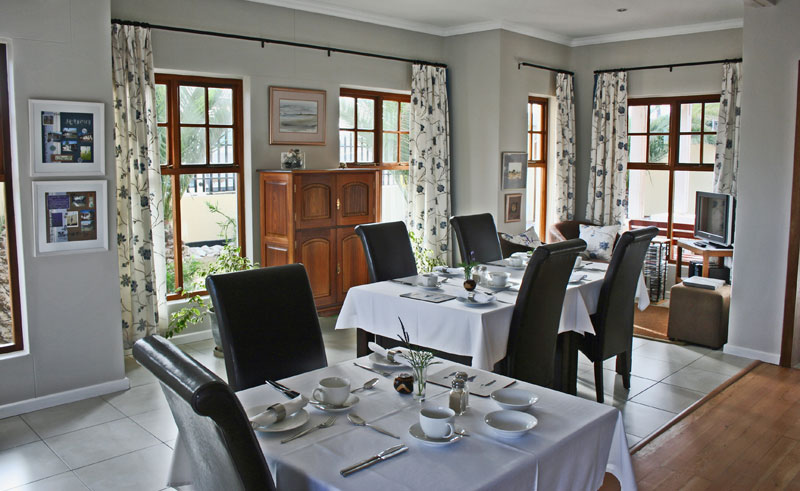 cornerstone guesthouse dining table
