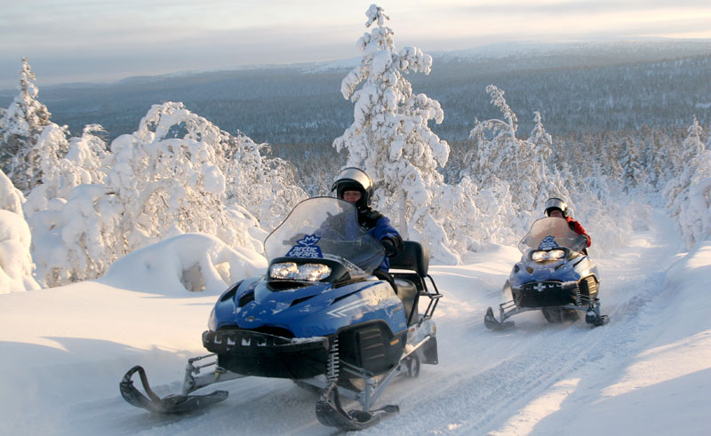 finnish lapland snowmobiling2 vf