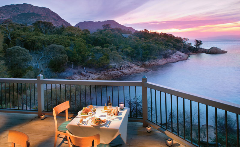 freycinet lodge dining balcony