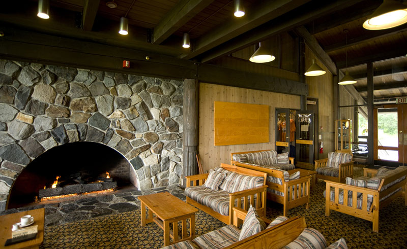 glacier bay lodge lounge
