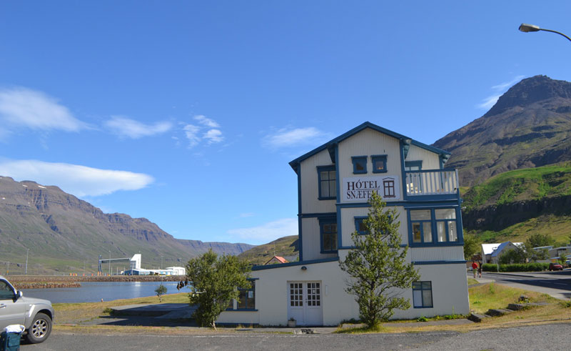 hotel snaefell exterior