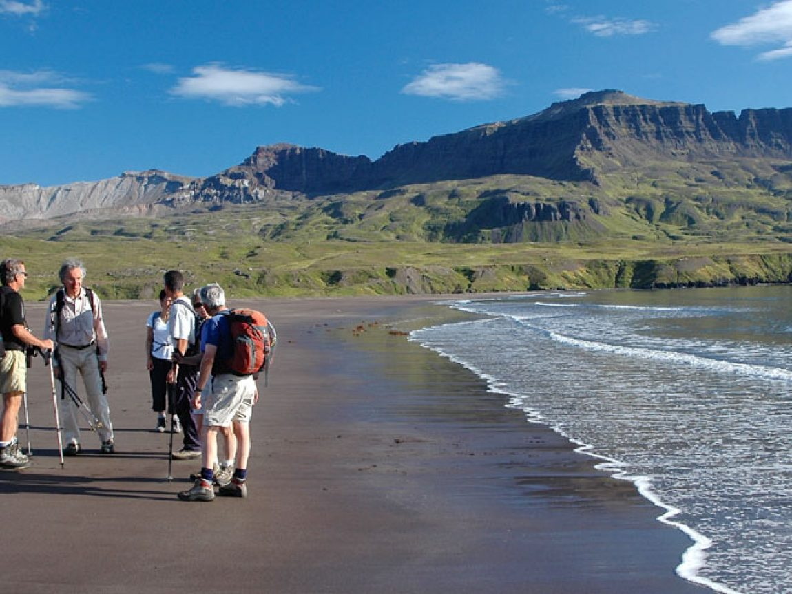 iceland east fjords lodmundarfjordur hikers ch