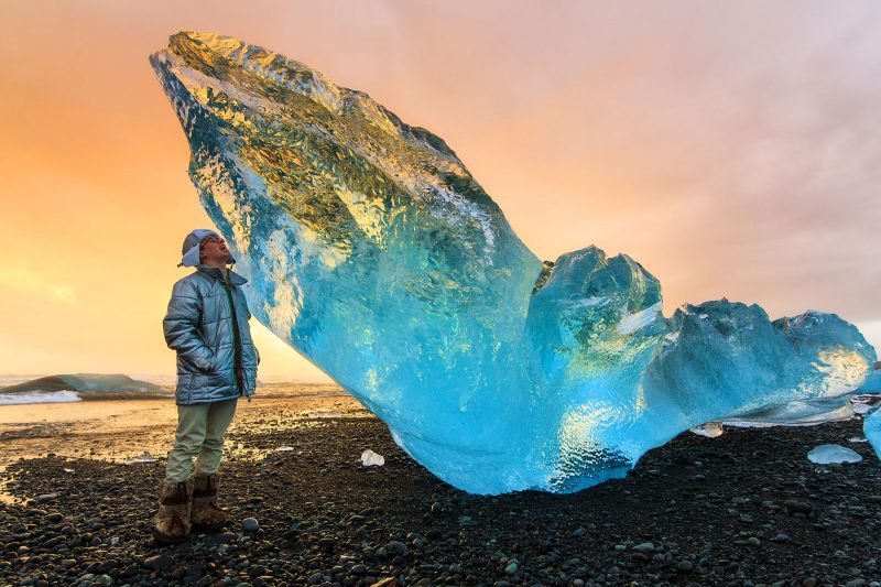 iceland south east jokulsarlon beach iceberg is