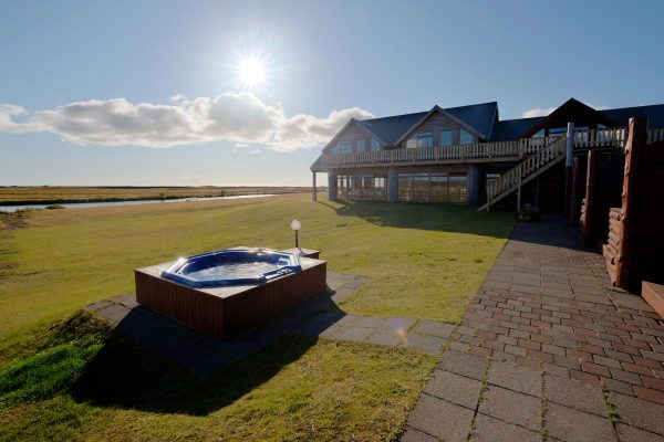 iceland south west hotel ranga rear hot tub sunburst