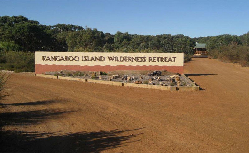 kangaroo islandi wilderness retreat sign