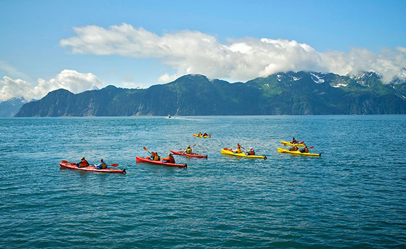 kenai fjords wilderness lodge kayak at sea