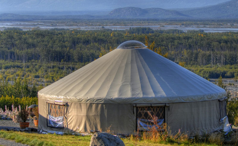 knik river lodge yurt