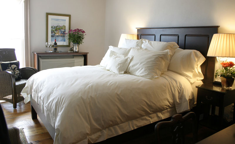 mariner king inn lunenburg double bedroom