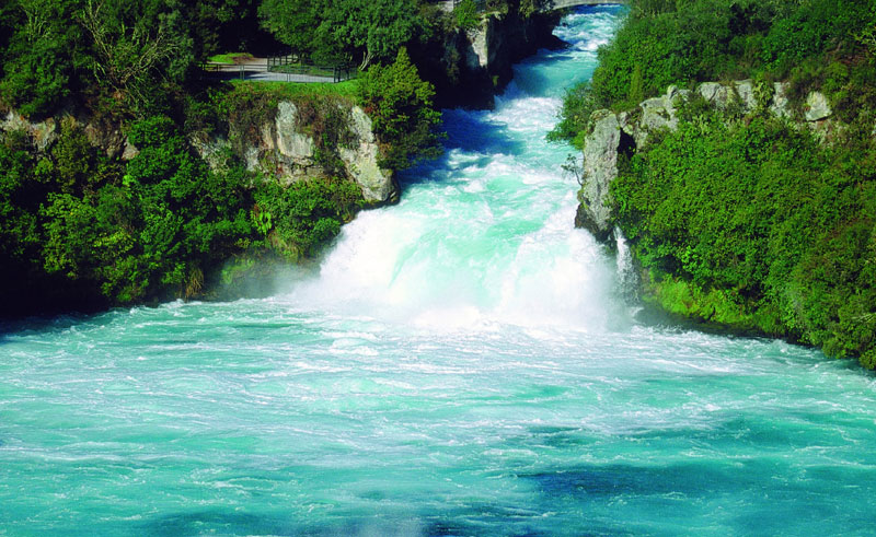 new zealand lake taupo huka falls dlt