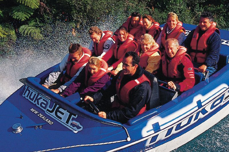 new zealand lake taupo huka jet boat dlt
