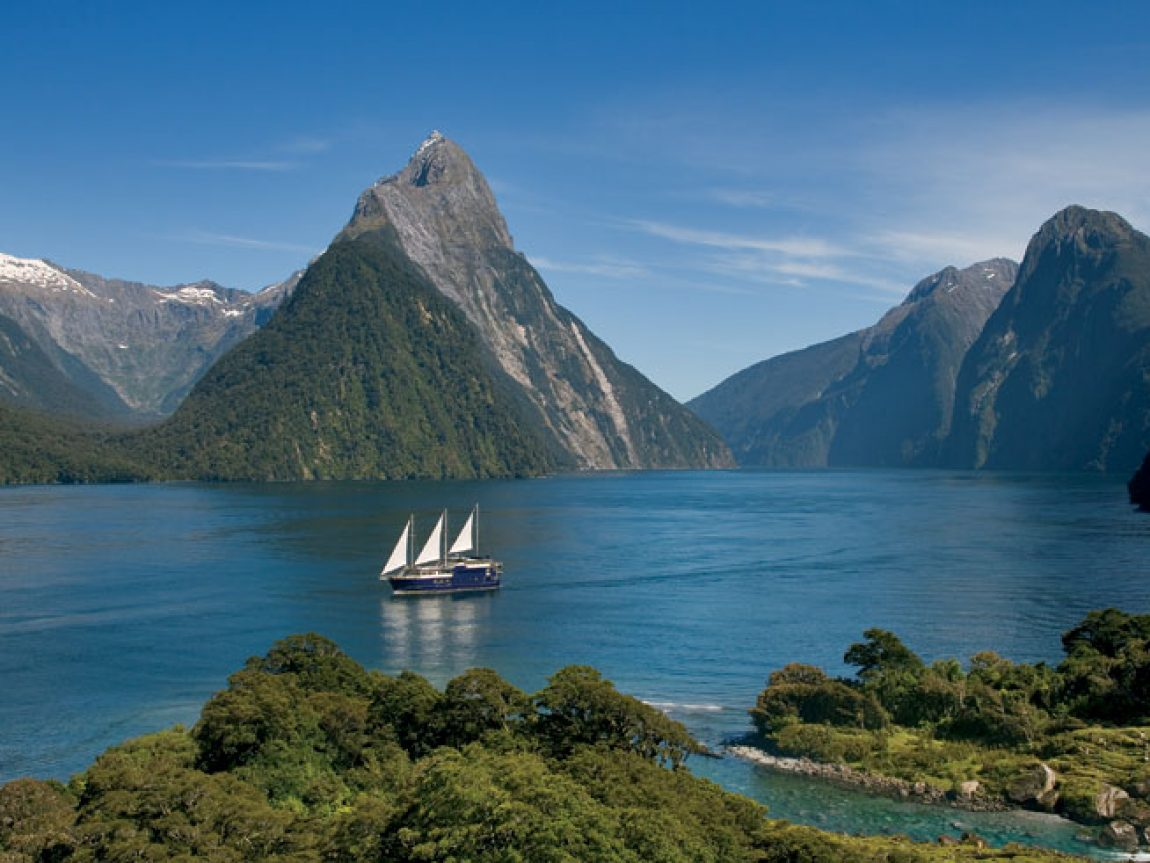 new zealand milford sound cruise2 rj