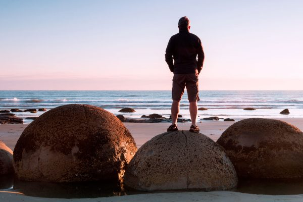new zealand otago coast moeraki boulders adstk