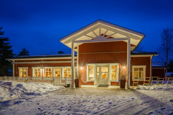 sweden lapland evening sorbyn lodge rth