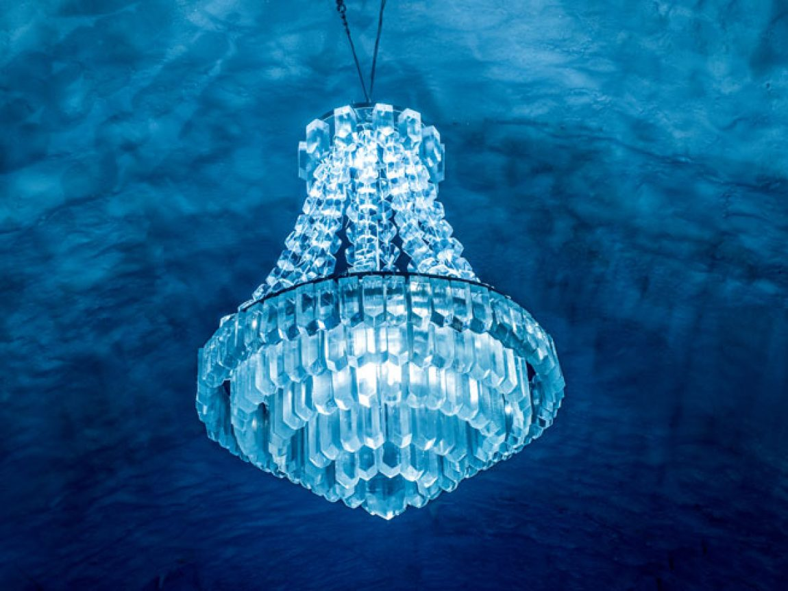 swedish lapland icehotel365 ice chandelier main hall 1617 ih