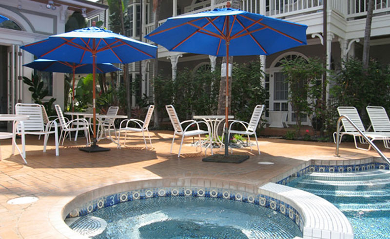 the plantation inn spa pool