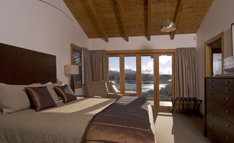 tongariro lodge guestroom