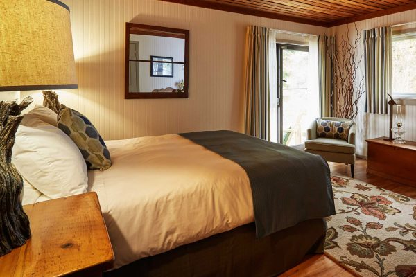arowhon pines in algonquin bedroom