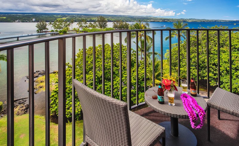 castle hilo hawaiian hotel twin balcony view