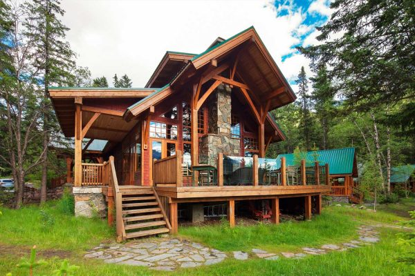 catheral mountain lodge cabin