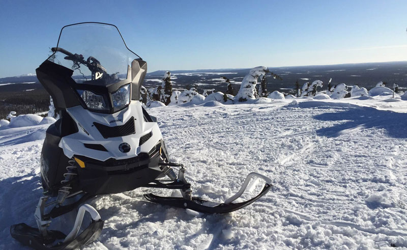 finnish lapland ruka snowmobile
