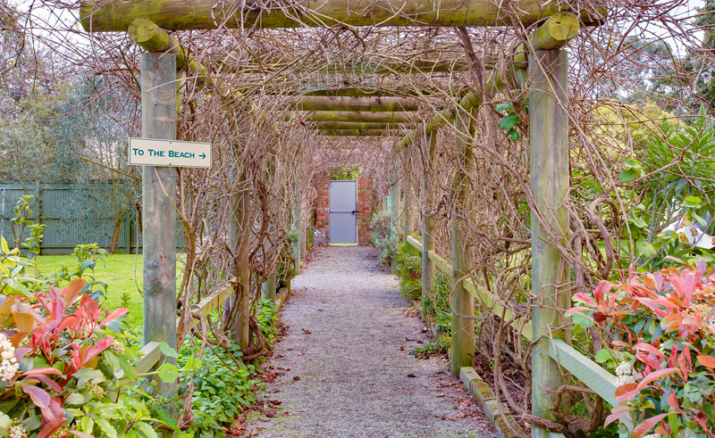 glen isla house garden path
