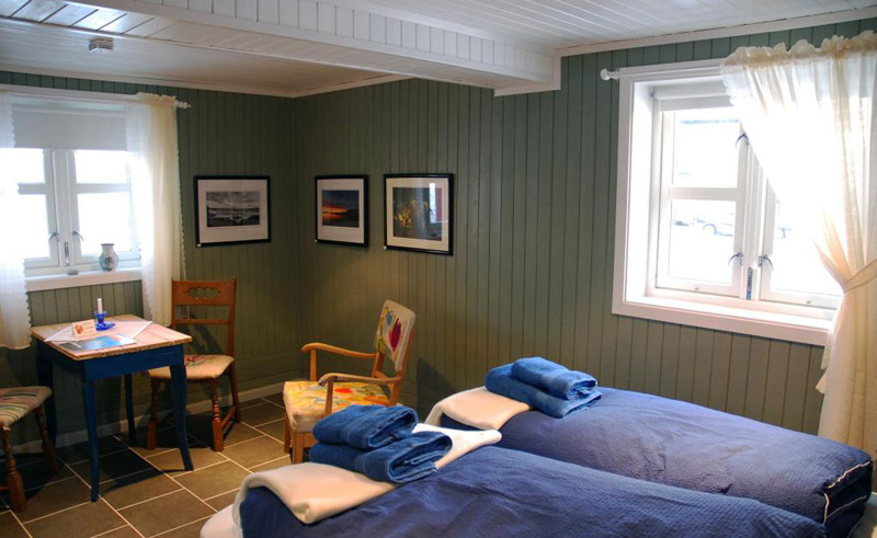 kongsfjord guesthouse bedroom