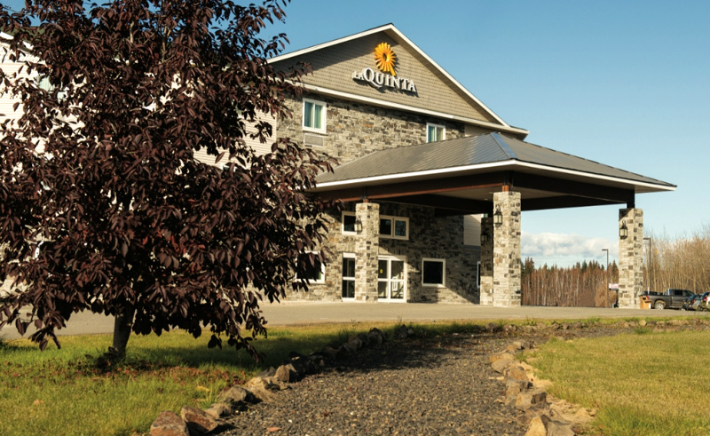 la quinta inn and suites fairbanks exterior