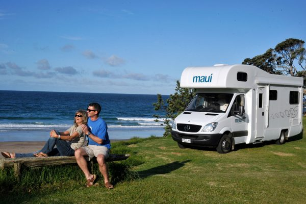 new zealand coastal couple maui mtrhms
