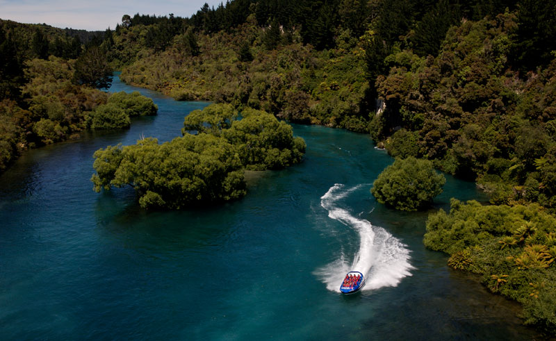 new zealand huka falls jet taupo2