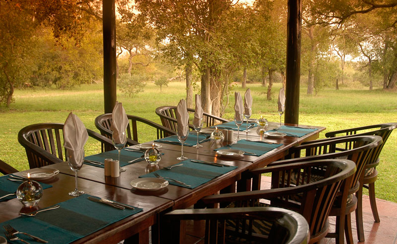 nkaya game lodge dining