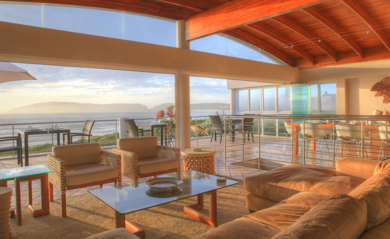periwinkle guest lodge lounge