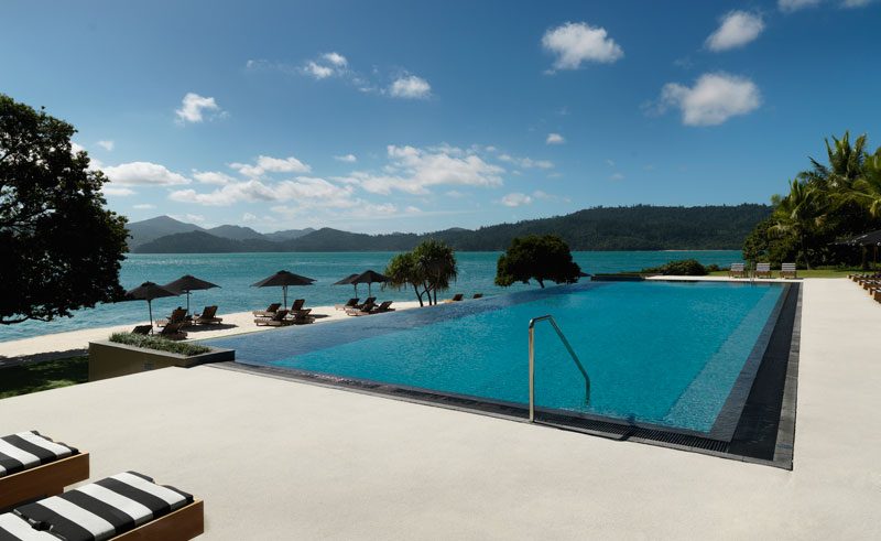 qualia hamilton island swimming pool