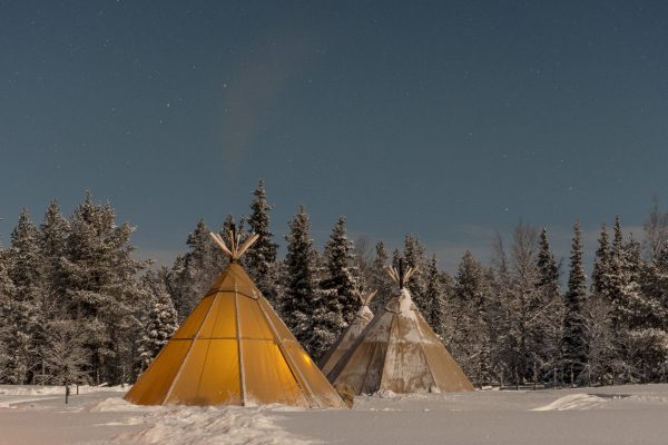 sapmi nature camp lavvus winter gte