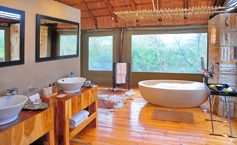 shamwari bayethe tented lodge bathroom