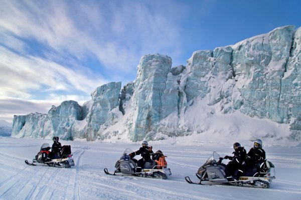 svalbard spitsbergen snowmobile safari by glacier nnorge mc