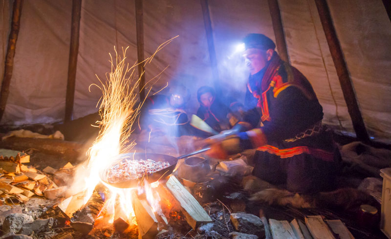 swedish lapland abisko traditional sami cooking in lavvu pr
