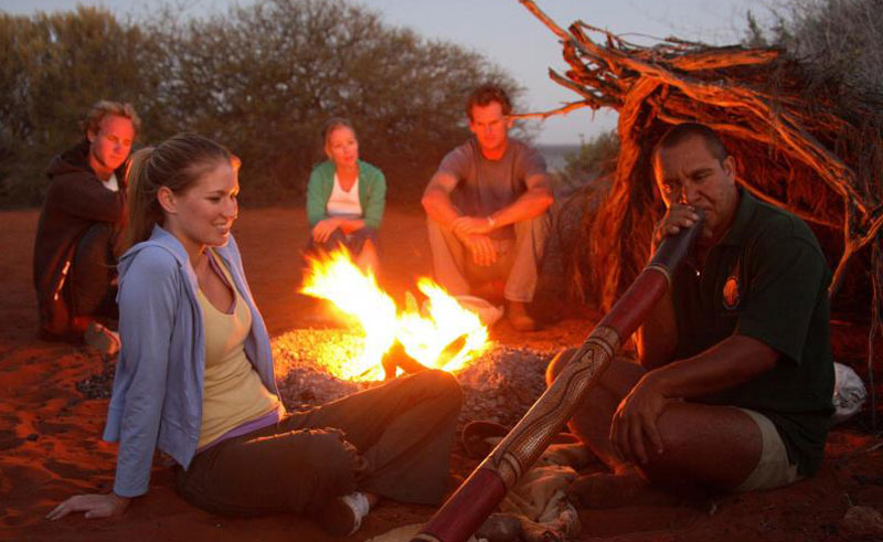 western australia shark bay didgeridoo dreaming night tour campfire2
