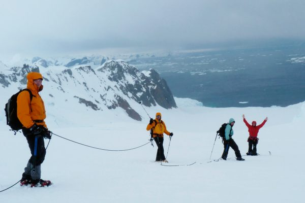 antarctica hikers roped together ocnwde