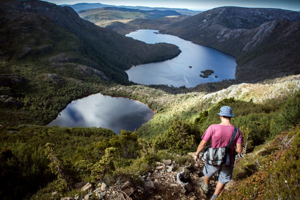 australia tasmania hiking cradle mountain view istk