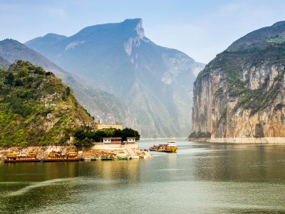 china yangtze river qutang gorge istk
