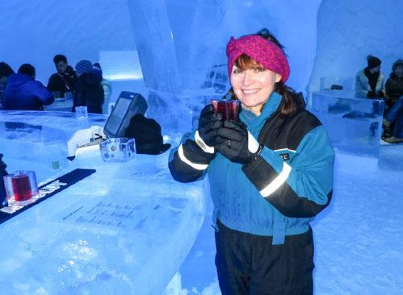 icehotel Lorraine Kelly in Ice bar at Icehotel